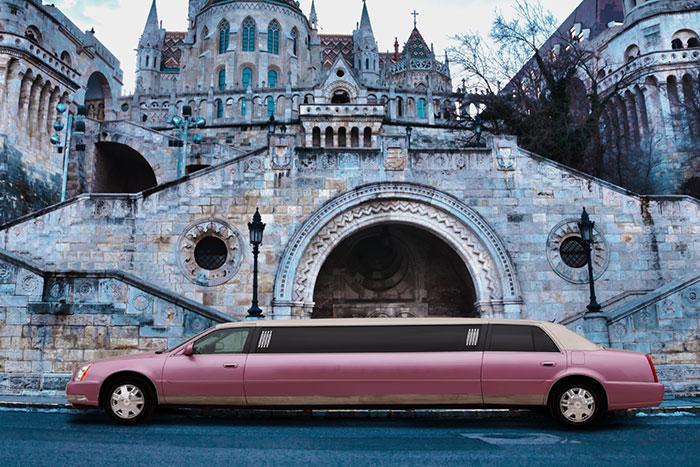 Party limuzin bérlés Budapest - Pink Cadillac limuzin