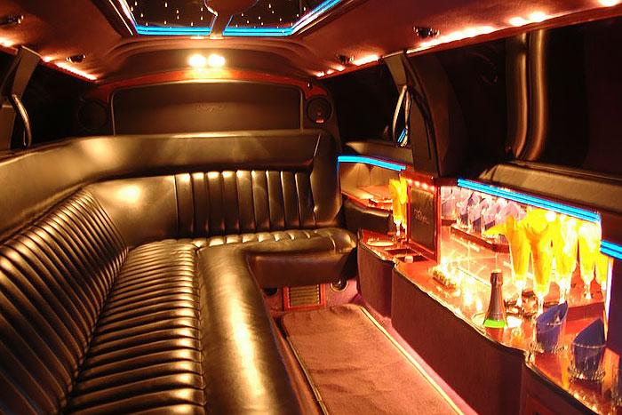Party limuzin bérlés Budapest - Lincoln Town Car limuzin